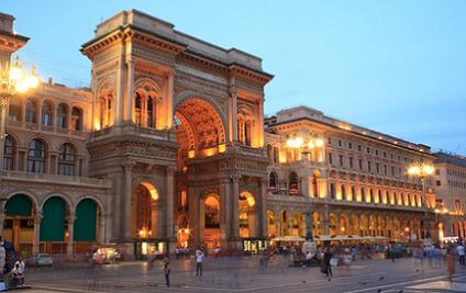 Drive around this beautiful Italien city without compromise with Sixt car hire Milan